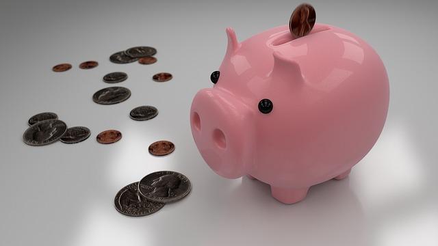 peníze u pokladničky