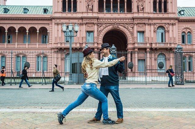 Pár taníčcí tango